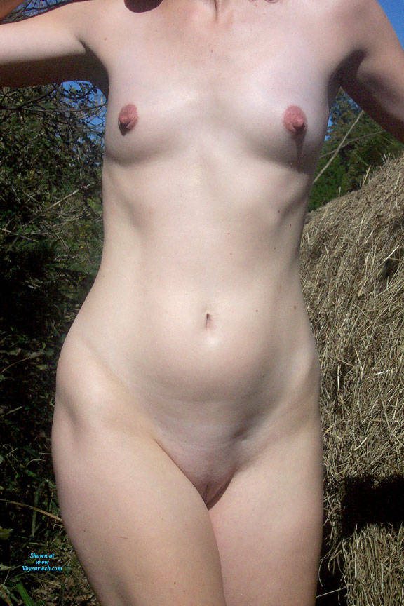 Pic #4 In The Field - Nude Girls, Outdoors, Redhead, Amateur