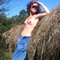 In The Field - Nude Girls, Outdoors, Redhead, Amateur