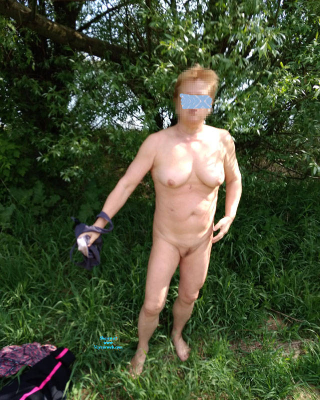 Pic #7 Walk In Nature 2 - Nude Girls, Big Tits, Outdoors, Bush Or Hairy, Amateur, Girls Stripping, Nature