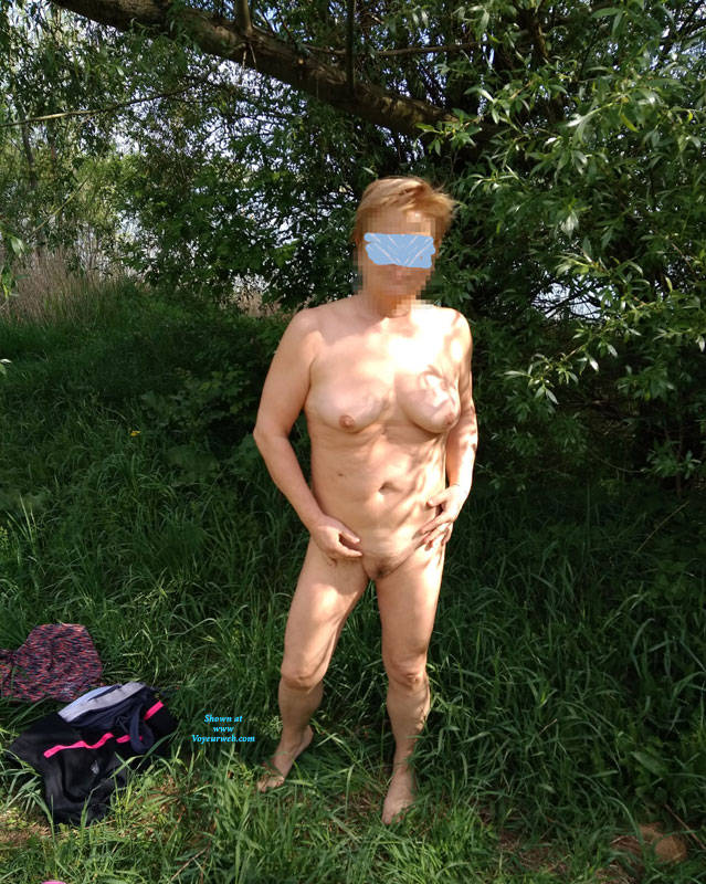 Pic #8 Walk In Nature 2 - Nude Girls, Big Tits, Outdoors, Bush Or Hairy, Amateur, Girls Stripping, Nature