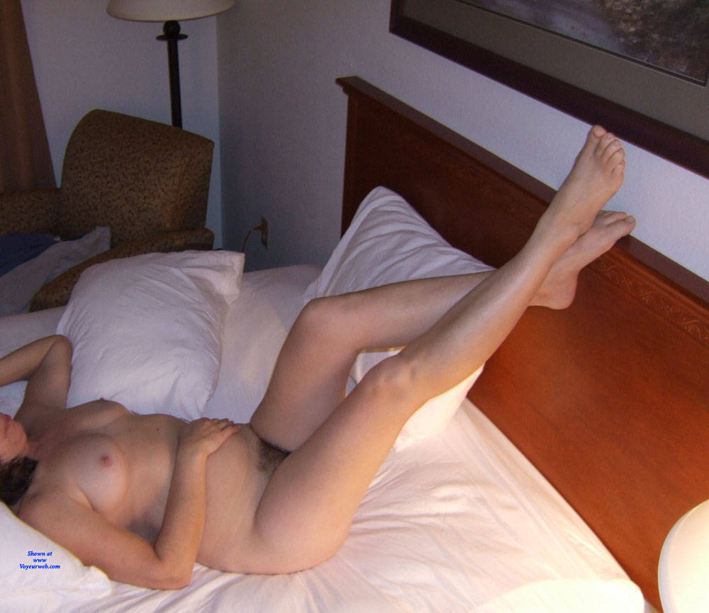 Pic #3 Holiday Inn Layover - Nude Wives, Brunette, Bush Or Hairy, Amateur, Mature