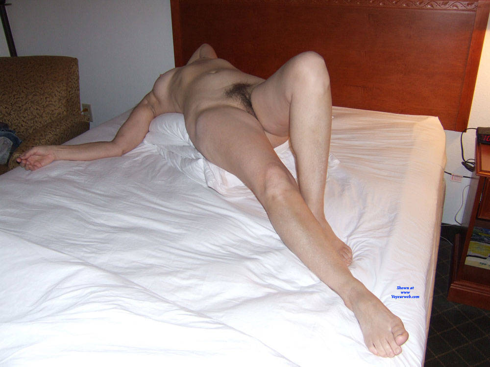Pic #6 Holiday Inn Layover - Nude Wives, Brunette, Bush Or Hairy, Amateur, Mature