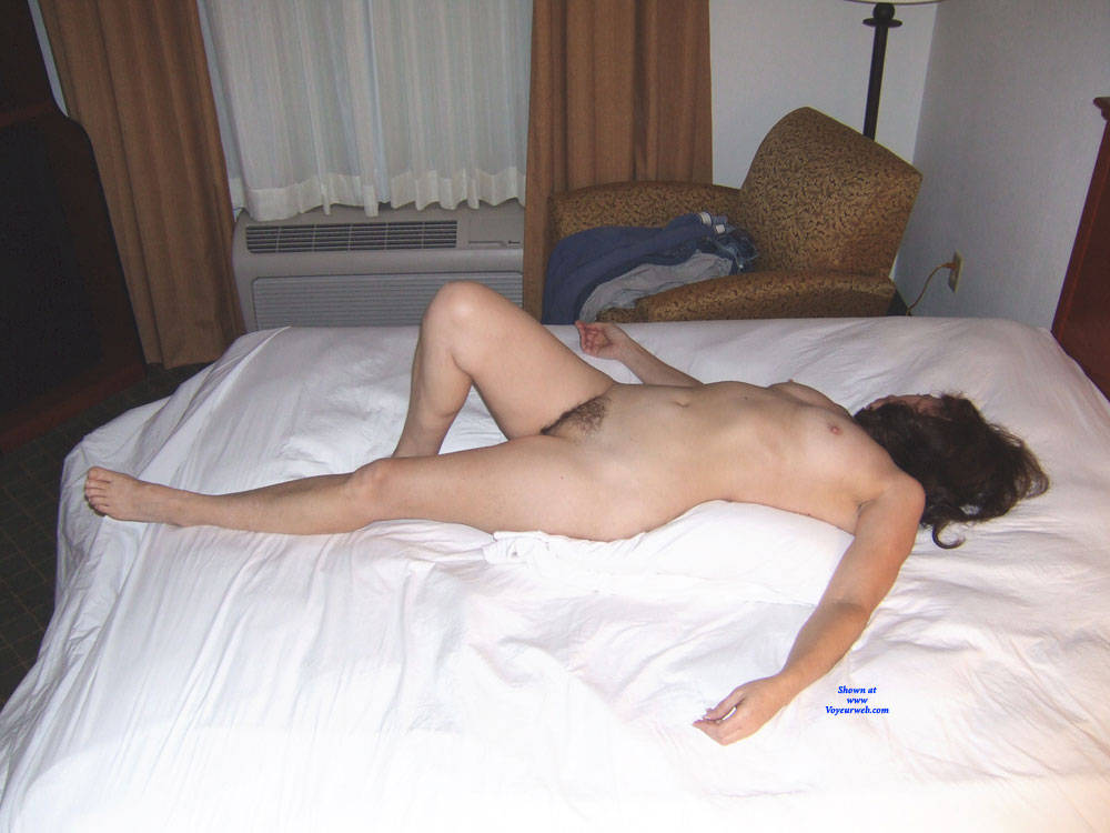 Pic #7 Holiday Inn Layover - Nude Wives, Brunette, Bush Or Hairy, Amateur, Mature