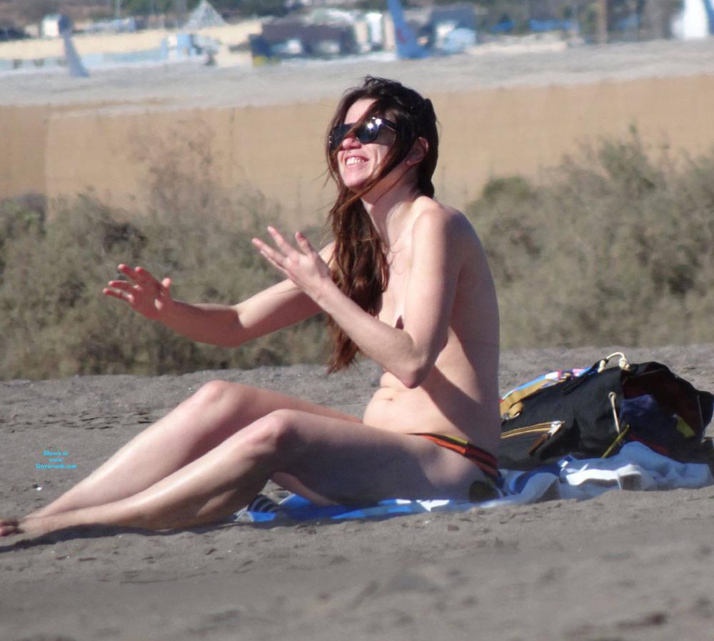 Pic #2 Canaries Beach - Topless Girls, Brunette, Outdoors, Beach Voyeur