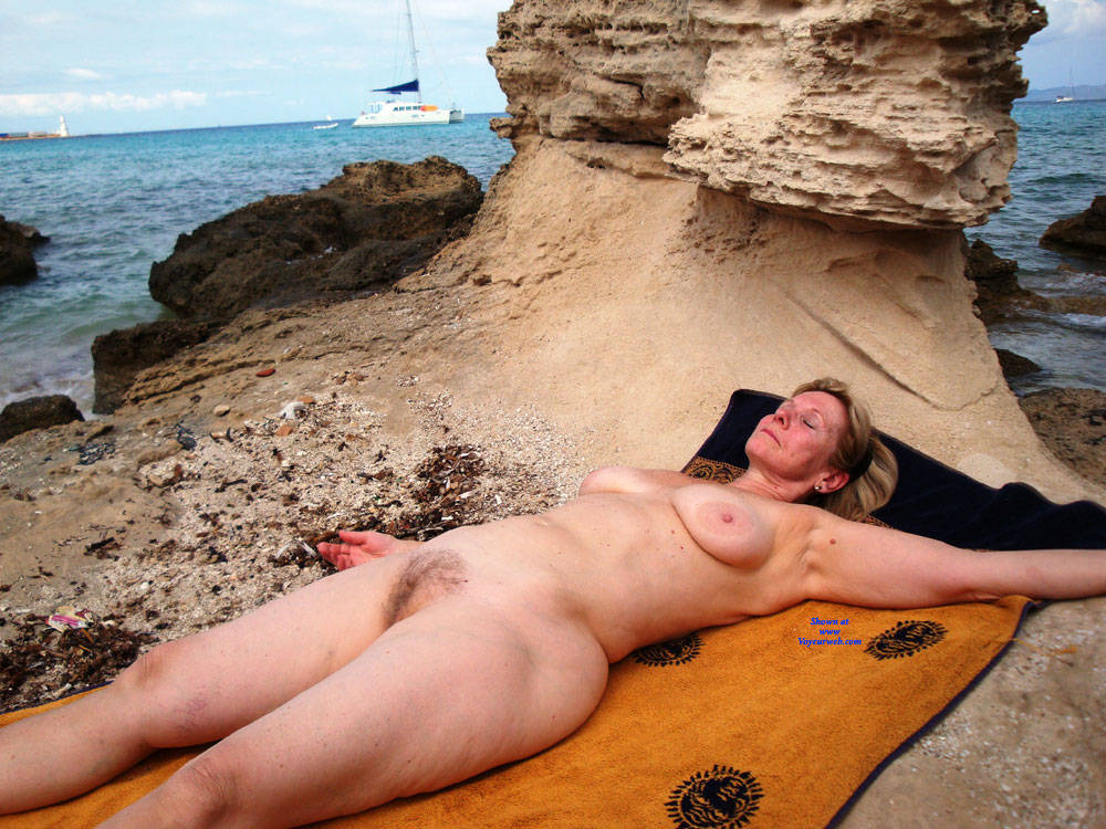 Pic #1 Francine Nude - Nude Amateurs, Beach, Big Tits, Outdoors, Bush Or Hairy