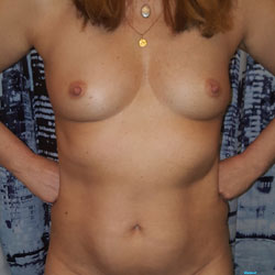 Everyday Snaps - Nude Girls, Shaved, Amateur