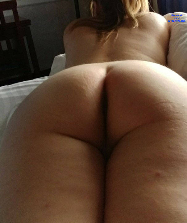 Pic #1 Messing Around Taking Pictures - Nude Wives, Amateur