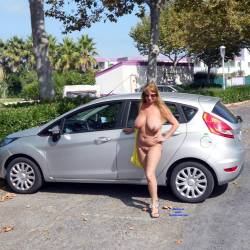 Pic #1 Nude On Streets And In The Shop - Nude Girls, Big Tits, Public Exhibitionist, Flashing, Outdoors, Public Place, Amateur
