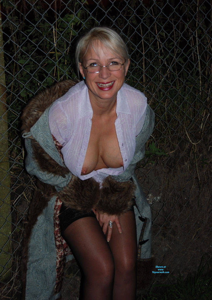 Pic #4 Walk In The Dark, Parts 1 And 2 - Big Tits, Blonde, Outdoors, Amateur, Pantieless Wives