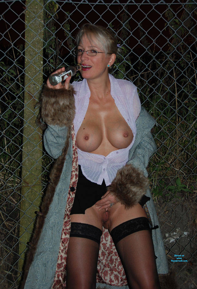 Pic #7 Walk In The Dark, Parts 1 And 2 - Big Tits, Blonde, Outdoors, Amateur, Pantieless Wives