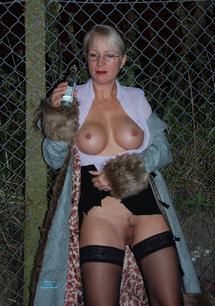 Pic #9 Walk In The Dark, Parts 1 And 2 - Big Tits, Blonde, Outdoors, Amateur, Pantieless Wives