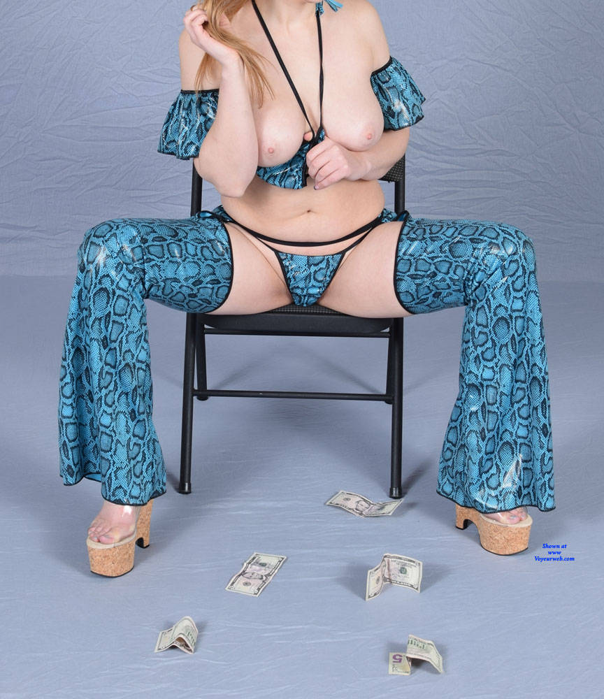 Pic #2 She Definitely Has a Price - Nude Wives, Big Tits, High Heels Amateurs, Shaved, Girls Stripping
