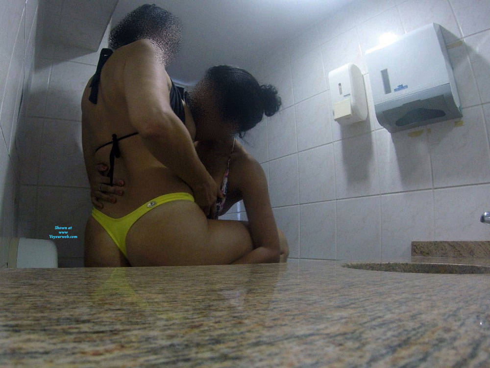Pic #3 Aline And Silvia From Brazil - Amateur