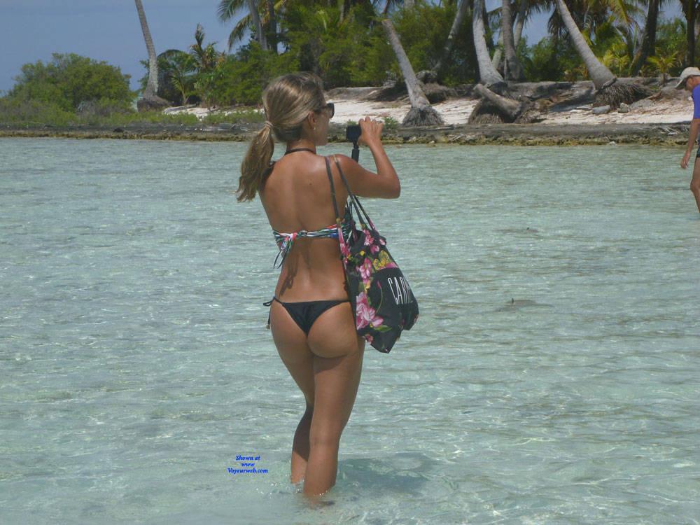 Pic #2 Polynesia - Outdoors, Bikini Voyeur