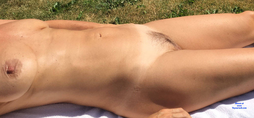 Pic #2 Tanning - Nude Girls, Outdoors, Amateur