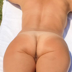Tanning - Nude Girls, Outdoors, Amateur