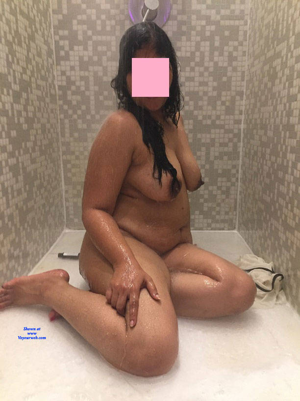 Pic #4 Shower Power - Nude Girlfriends, Big Tits, Bush Or Hairy, Amateur, See Through
