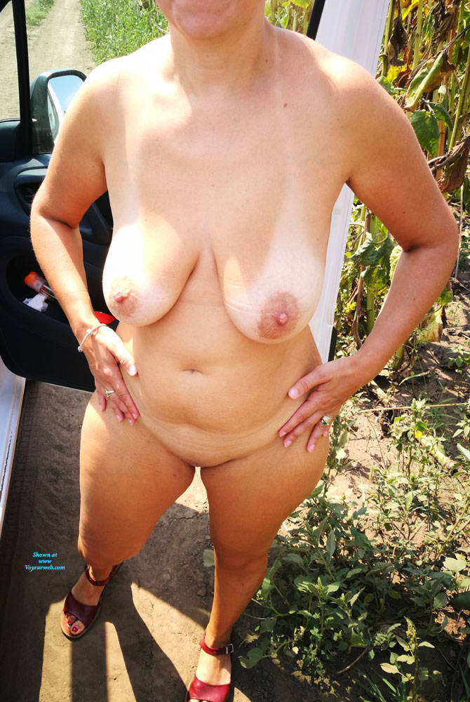 Pic #5 After Work - Nude Wives, Big Tits, Outdoors, Shaved, Amateur