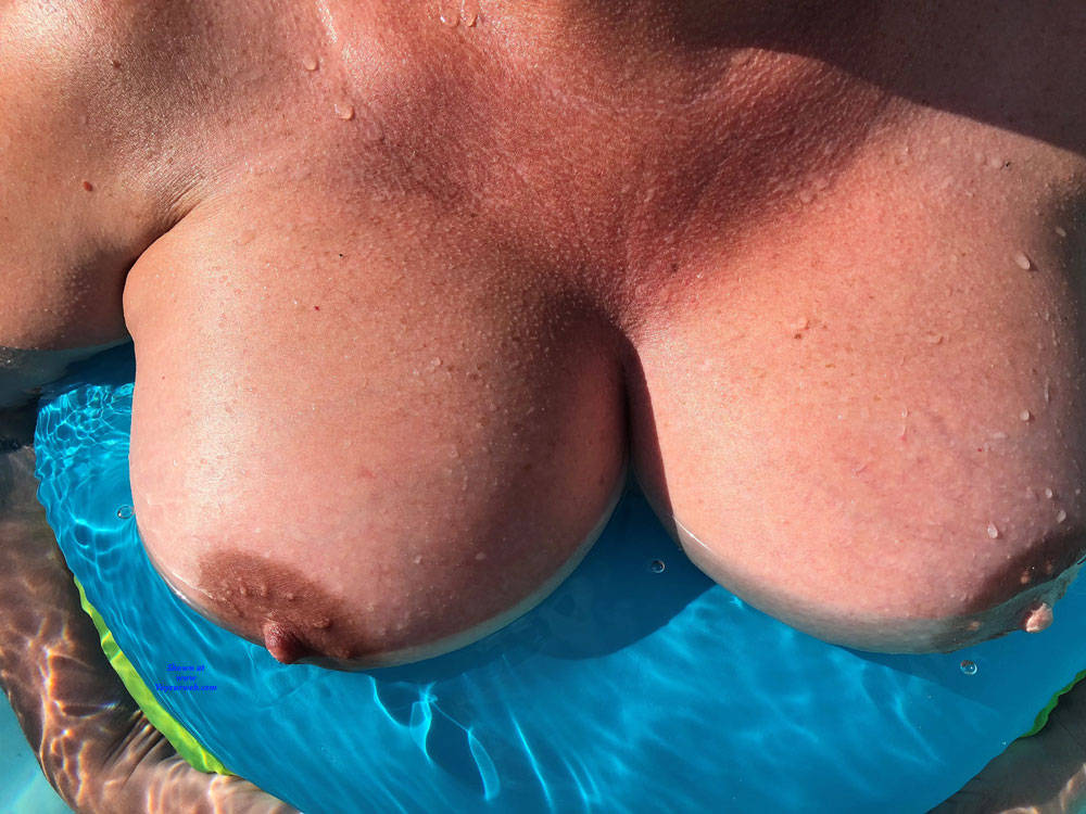 Pic #3 Pool Party - Big Tits, Outdoors, Amateur