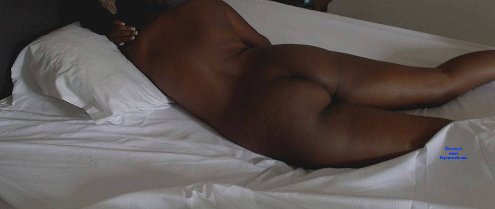 Pic #5 In Hotel - Nude Girls, Amateur