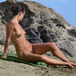Nice Big Nipples  - Nude Girls, Beach, Brunette, Outdoors, Bush Or Hairy, Beach Voyeur, Big Nipples