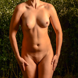 Anna in Paradise - Nude Girls, Outdoors, Amateur