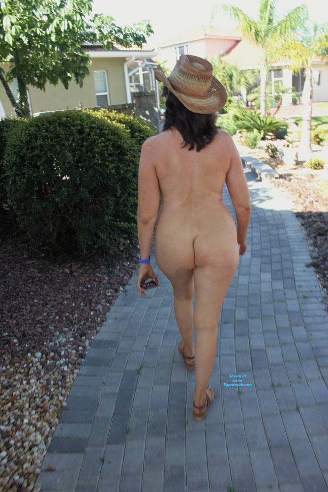 Pic #6 Naked In The Neighborhood - Nude Girls, Big Tits, Brunette, Public Exhibitionist, Outdoors, Public Place, Shaved, Amateur