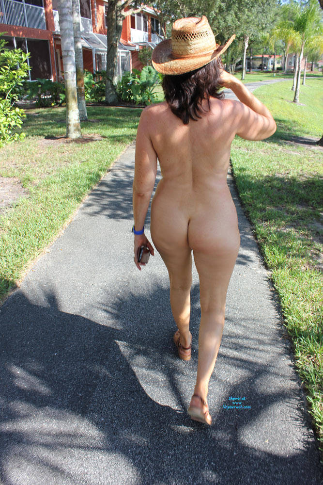 Pic #7 Naked In The Neighborhood - Nude Girls, Big Tits, Brunette, Public Exhibitionist, Outdoors, Public Place, Shaved, Amateur