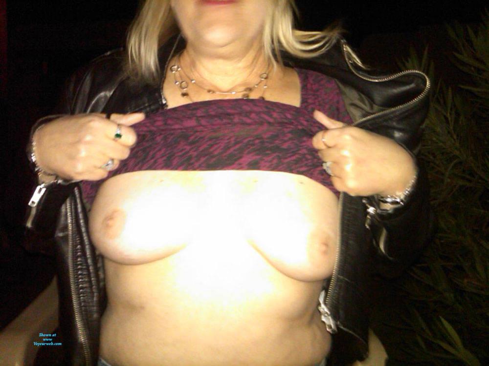 Pic #4 Public - Big Tits, Public Exhibitionist, Flashing, Outdoors, Public Place, Wife/wives, Amateur