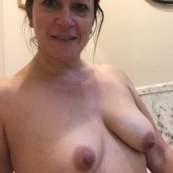 Medium tits of my girlfriend - Melissa