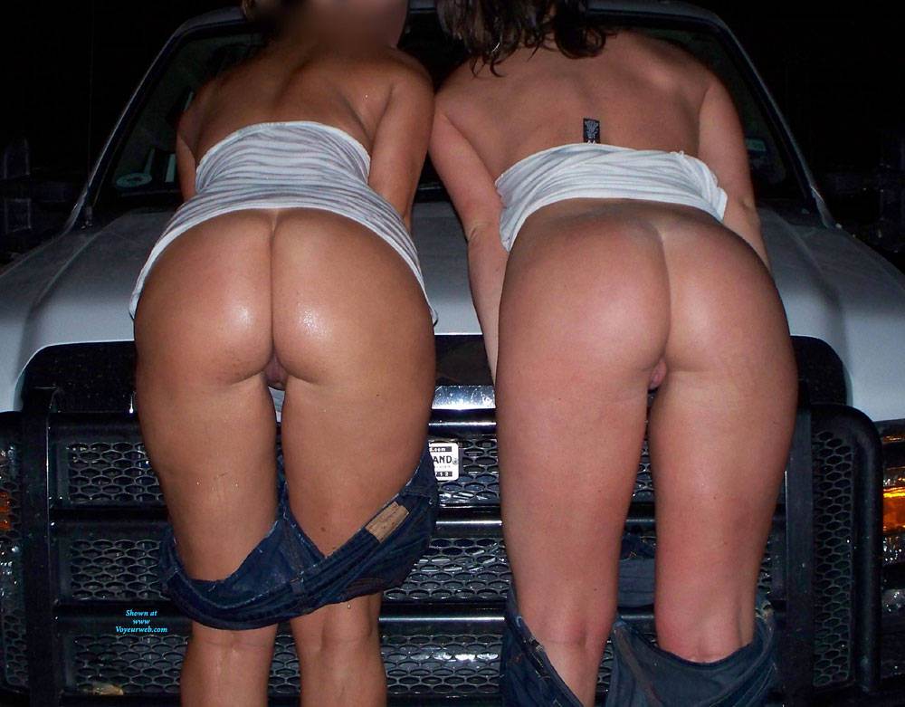 Pic #4 Random Out And About - Nude Wives, Big Tits, Public Exhibitionist, Flashing, Outdoors, Public Place, Amateur, Firm Ass