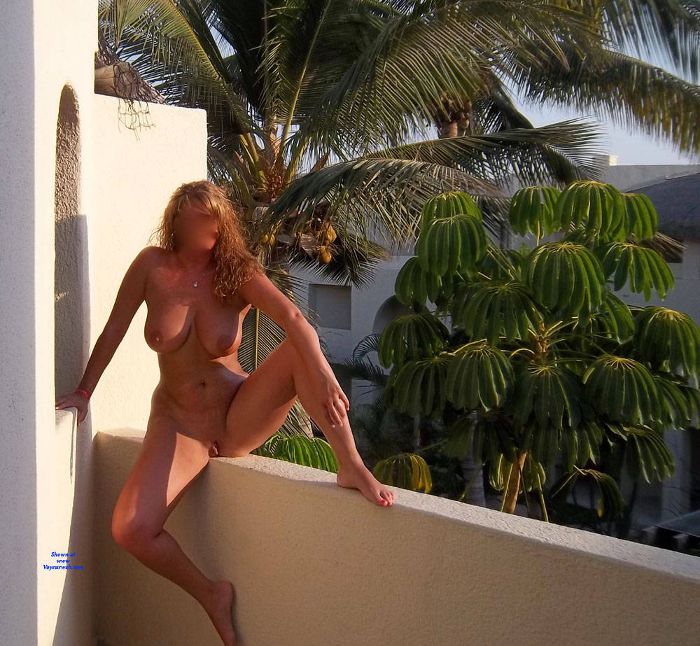 Pic #6 Random Out And About - Nude Wives, Big Tits, Public Exhibitionist, Flashing, Outdoors, Public Place, Amateur, Firm Ass