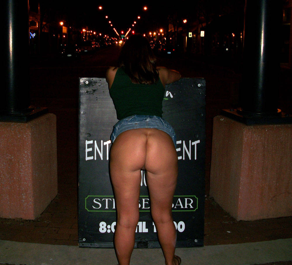 Pic #8 Random Out And About - Nude Wives, Big Tits, Public Exhibitionist, Flashing, Outdoors, Public Place, Amateur, Firm Ass