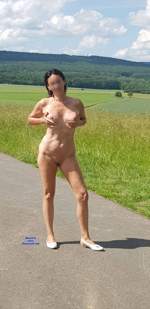 Pic #4 Summer Fun - Nude Girls, Big Tits, Outdoors, Shaved, Amateur