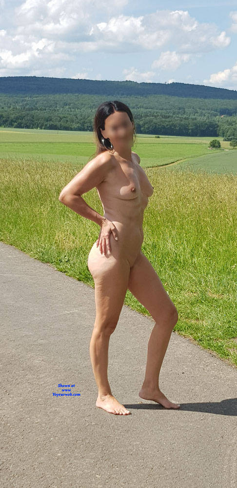Pic #5 Summer Fun - Nude Girls, Big Tits, Outdoors, Shaved, Amateur