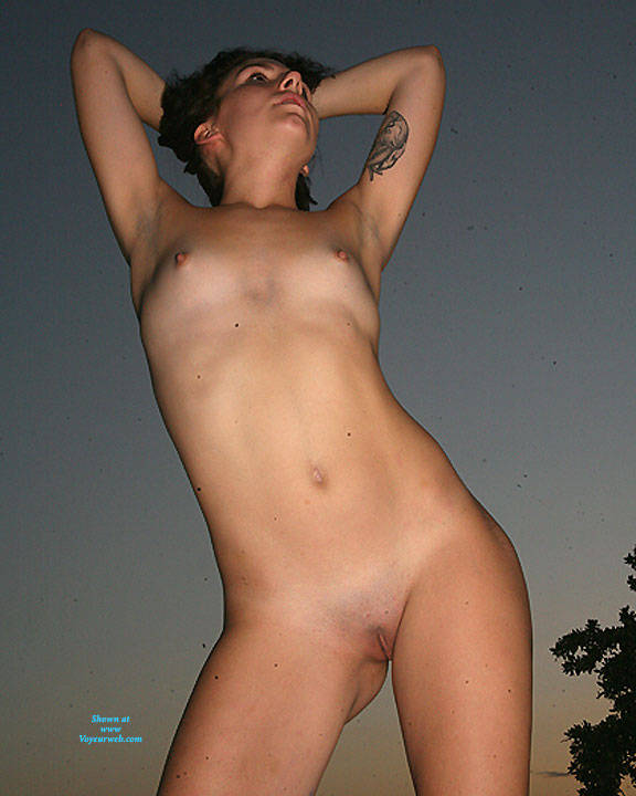 Pic #5 Twirling - Nude Girls, Brunette, Small Tits, Shaved, Amateur