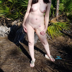 Florida Girl Naked In The Backyard - Nude Girls, Big Tits, Outdoors, Amateur