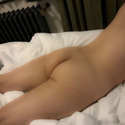 Arm Rest - Wife/wives, Amateur