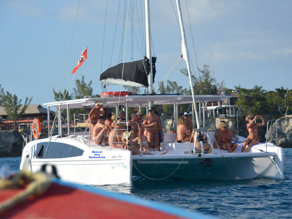 Pic #1 Nude Cruise - Outdoors
