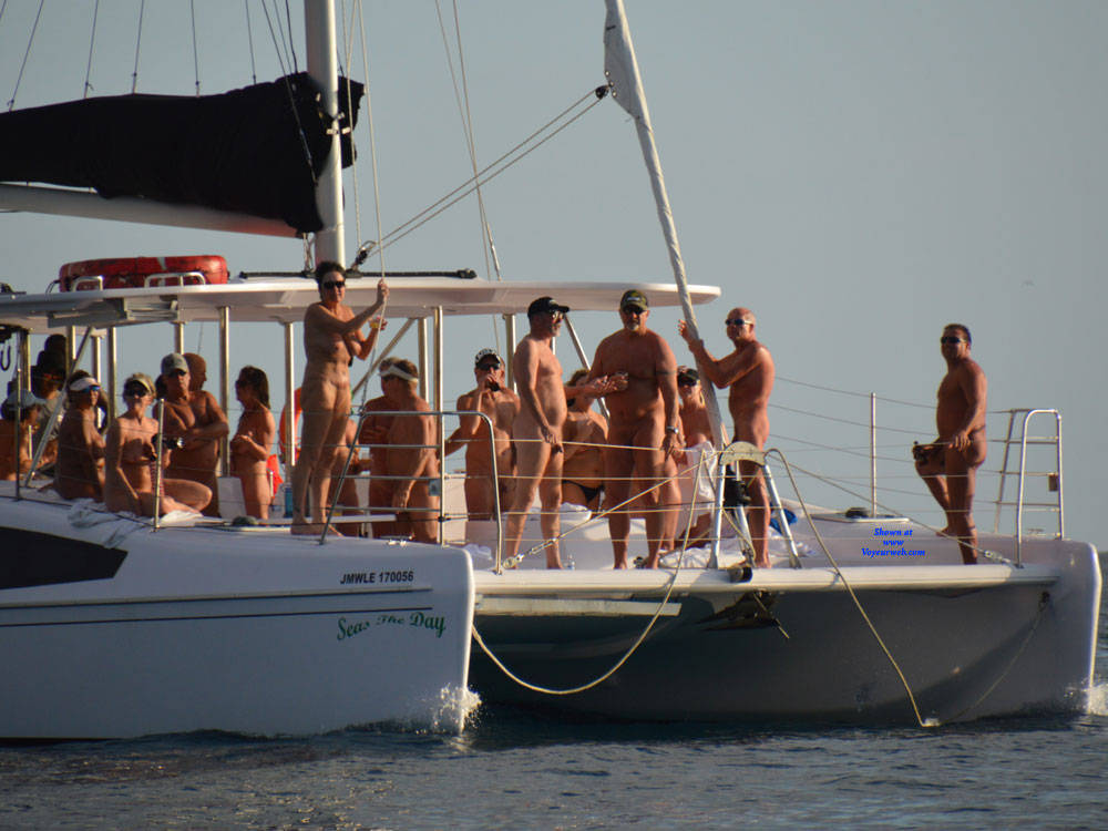 Pic #3 Nude Cruise - Outdoors