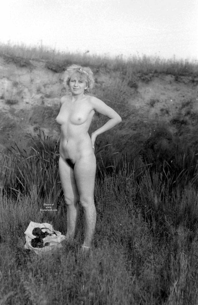 Pic #9 Plener - Nude Girls, Big Tits, Blonde, Outdoors, Nature, Bush Or Hairy, Amateur, Girls Stripping