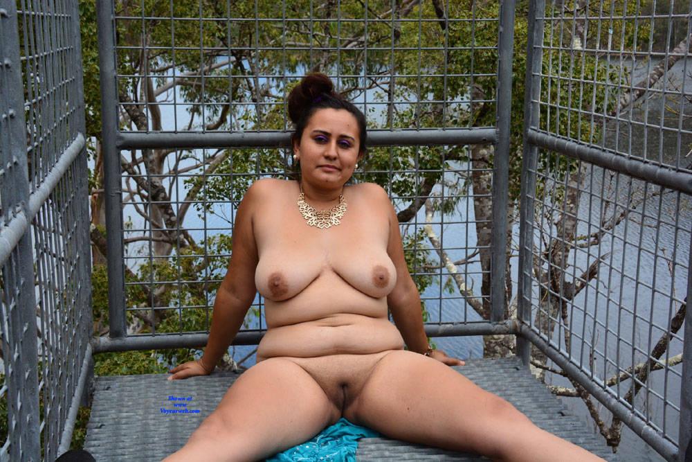 Pic #2 Valeria - Nude Girls, Big Tits, Brunette, Outdoors, Shaved, Amateur