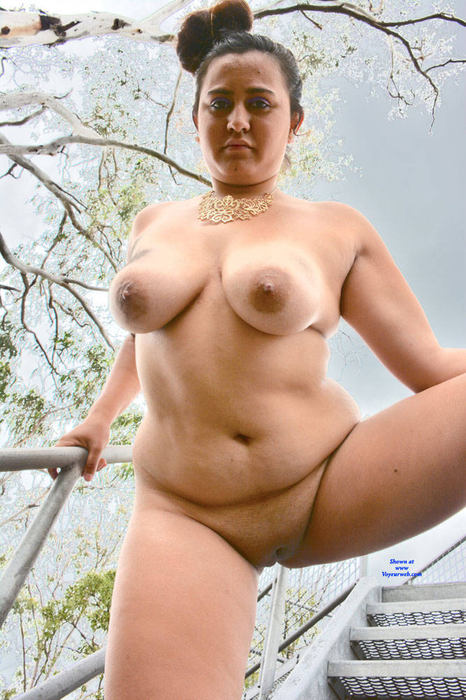 Pic #7 Valeria - Nude Girls, Big Tits, Brunette, Outdoors, Shaved, Amateur