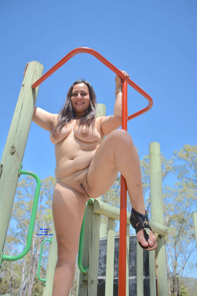 Pic #9 Valeria - Nude Girls, Big Tits, Brunette, Outdoors, Shaved, Amateur