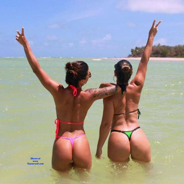 Pic #1 Brasileiras Exibidas Com Seus Bikini - Beach, Brunette, Outdoors, Bikini Voyeur, Firm Ass, Tattoos, Beach Voyeur