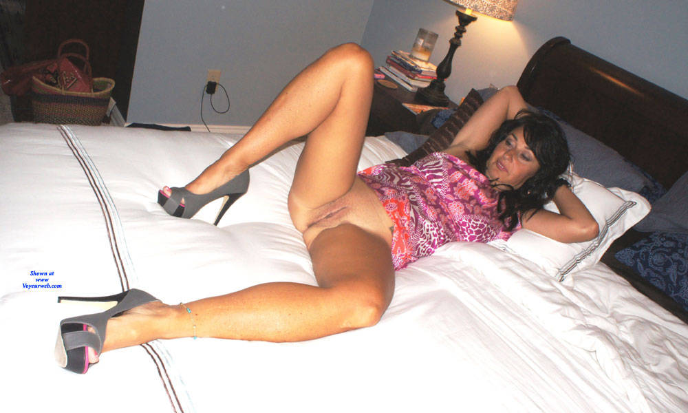 Pic #5 Stripping Milf In Heels - Nude Wives, Brunette, High Heels Amateurs, Girls Stripping, Long Legs