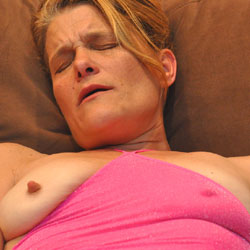 Very Hot in Pink 2 - Amateur