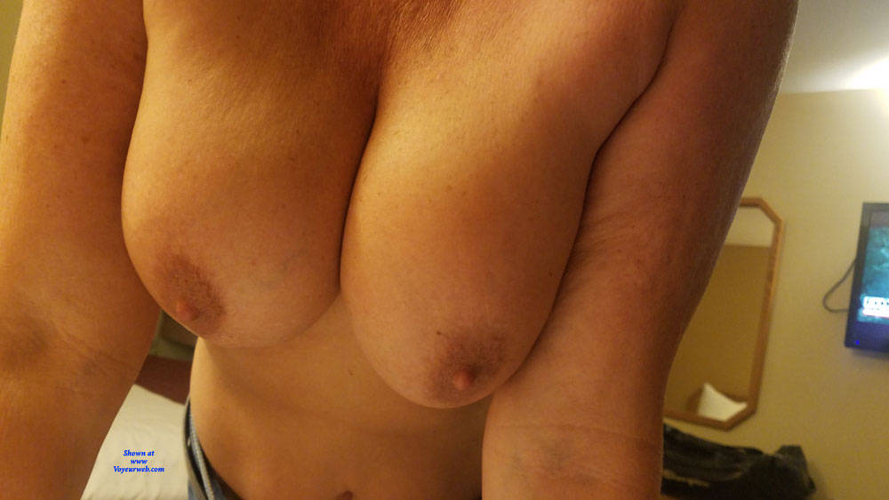Pic #8 Around The House - Big Tits, Brunette, Amateur