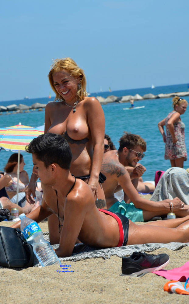 Pic #2 Sunshine At Barcaloneta - Topless Girls, Beach, Big Tits, Outdoors, Firm Ass, Tattoos, Beach Voyeur
