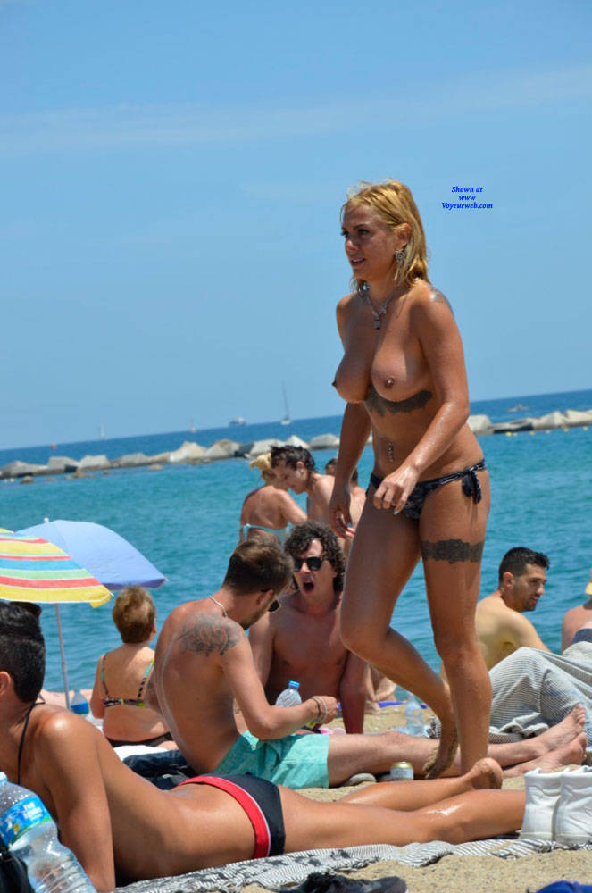 Pic #4 Sunshine At Barcaloneta - Topless Girls, Beach, Big Tits, Outdoors, Firm Ass, Tattoos, Beach Voyeur
